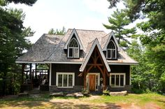 This cottage experience is not to be missed: every day is an adventure! Book this #Muskoka cottage vacation today! http://cottagevacations.com/district-muskoka/mary-lake/132