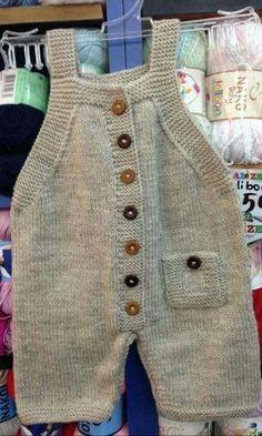 65 New Ideas For Crochet Baby Pants Pattern Kids Baby Dungarees Pattern, Baby Pants Pattern, Baby Overalls, Romper Pattern, Baby Knitting Patterns, Knitting For Kids, Baby Patterns, Free Knitting, Crochet Baby Pants