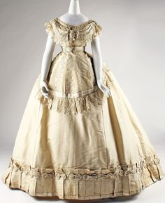Les 579 meilleures images du tableau robes vintage après 1900 sur ... 213196fd23b8
