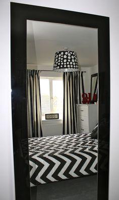 Monochrome bedroom #black #white
