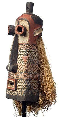 Pende Pumbu Chiefs Mask 23, DRC Totems, Afrique Art, African Artwork, Costumes Around The World, Atelier D Art, African Sculptures, Art Premier, Statues, Art Africain