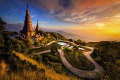 Naphamethanidon  Naphapholphumisiri Pagoda (by Preechar)