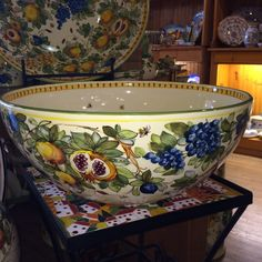Toscana Bees Very Large Bowl 1