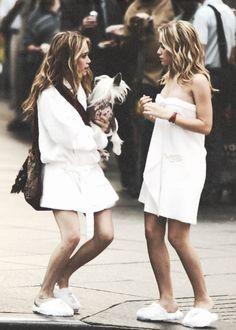 New York Minute Mary Kate Ashley, Mary Kate Olsen, Michelle Tanner, New York Minute, Twin Photos, Olsen Twins, People Of Interest, Long Locks, Ashley Olsen