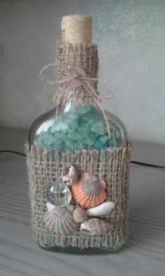 Decorated Bitellas - Quilling Deco Home Trends Glass Bottle Crafts, Wine Bottle Art, Diy Bottle, Seashell Projects, Seashell Crafts, Beach Crafts, Jar Crafts, Home Crafts, Decorated Jars