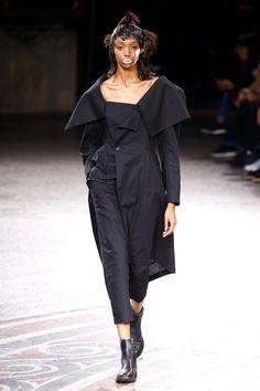 Yohji Yamamoto | Ready-to-Wear Spring 2017 | Look 10
