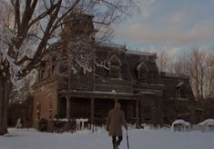 The Terrifying True Haunting Of A Denver Home That Inspired 'The Changeling' Scary Ghost Pictures, Ghost Photos, Real Haunted Houses, Haunted Mansion, Ghost Stories, True Stories, 1980 Films, Paranormal Photos, Real Ghosts