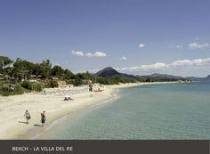 La Villa del Re, 5 star hotel in Sardinia front-sea with luxury services. Costa Rei, Luxury Services, Hotel Guest, Beach Umbrella, Beach Pool, White Sand Beach, Summer Sun, 5 Star Hotels, Beautiful Beaches