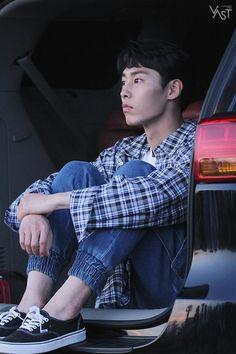 '이재욱' 아직도 입덕을 망설이나요? (부제 : 설지환 가지마아ㅠㅠ) : 네이버 포스트 Korean Male Actors, Korean Celebrities, Asian Actors, Korea Boy, Weightlifting Fairy Kim Bok Joo, Korean Drama Movies, Kdrama Actors, Handsome Actors, K Idol