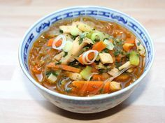 Kínai csirkeleves Clean Recipes, Healthy Recipes, Sweet And Salty, Wok, Soups And Stews, Thai Red Curry, Main Dishes, Appetizers, Food And Drink