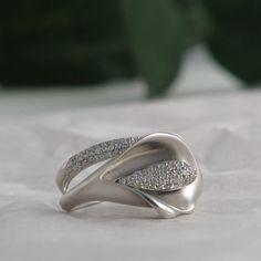 Diamond Calla Lily Ring in White Gold