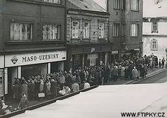 Co Vám z minulého režimu schází? Bude, Bratislava, Socialism, Retro, Czech Republic, Prague, Christmas Time, Street View, Jokes
