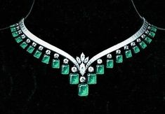 diamond-necklaces-tbt-elegant-emerald-and-diamond-v-necklace-from-our-archive-circa-1964
