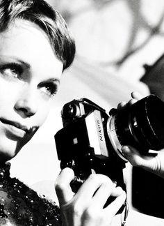 Mia Farrow - 9 février 1945