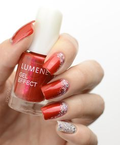Classy red with a silver accent nail. These Christmas nails were created by blogger ZigiZtyle using Lumene Gel Effect Nail Polish shades 62 Bright Winter and 59 Shimmering Light. #nailpolish #christmas #lumene