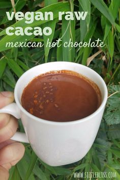 Easy vegan recipe / superfoods / plant based diet / mood boosting foods / raw foods / iced hot chocolate / hot chocolate / raw cacao / www.sizzlebliss.com