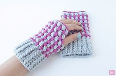 Little Things Blogged: {Puff Stitch Wrist Warmers}