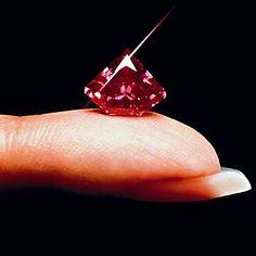 Pink Diamond from the Argyle-Mine Australia very clear ... very nice #diamond #pink daimond
