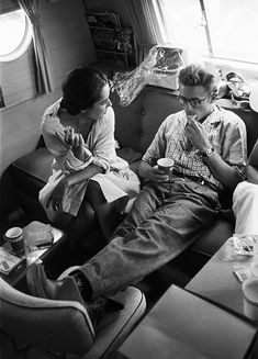 """This movie shows James Dean in one of his greatest rolls, I think. Love~ James Dean & Elizabeth Taylor taking a break while filming """"Giant"""". James Dean, Taylor James, Golden Age Of Hollywood, Vintage Hollywood, Hollywood Stars, Classic Hollywood, Planet Hollywood, Elizabeth Taylor, Celebridades Fashion"""