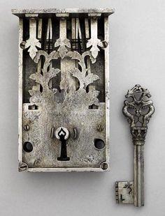 a-harlots-progress:      lock and key