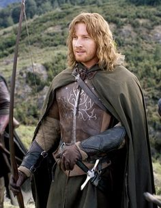 By chance, Avalain meets Faramir once when he and Boromir returned to Minas Tirith from fighting in Osgiliath. Avalain was speaking for her father to Lord Denethor at the time, and once she meets the brothers, they all become quite good friends.