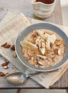 date and banana porridge (substitute honey with vegan sweetener of choice)