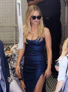 In Tom Ford sunglasses, Dana Rebecca earrings, and a Prabal Gurung dress #JenniferLawrence #Beauty #ILoveYou