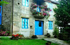 Our charming rural accommodation, room rental and catering, will surprise you with its perfect balance of ancient and modern, tradition and innovation. The main building of S. Conservation Architecture, Green Landscape, Tourism, Spain, Farmhouse, Exterior, Mansions, House Styles, Building