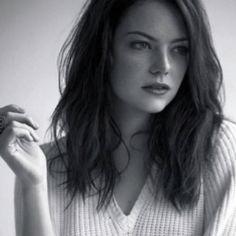 #EmmaStone effortlessly beautiful!