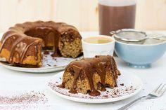 Recept voor kruidige koffie-bananentaart voor 4 personen. Met boter, water, bakpapier, banaan, havermout, ei, bakpoeder, kaneel, oploskoffie, chocoladevla, cacaopoeder en gemberpoeder