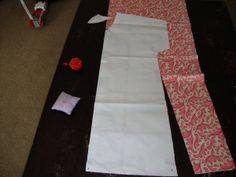 DIY Hospital Gown (maternity) When I started my last trimester with this pregnancy I decided to make myself a cute hospital gown that maybe I would actually wear! With my son, I refused to wear the… Hospital Gown Pattern, Birthing Gown, Nursing Gown, Maternity Patterns, Delivery Gown, Maternity Gowns, Maternity Sewing, Baby Sewing, New Baby Products