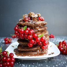 Chocolate Protein Pancakes by - Sweeter Life Club Perfect Breakfast, Vegan Breakfast, Breakfast Recipes, Chocolate Protein Pancakes, Vegan Pancakes, Coconut Protein, Best Protein, Healthy Christmas Treats, Pancake Stack