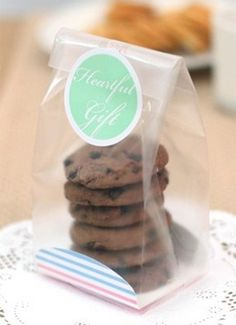 61 ideas cookies packaging diy cellophane bags for 2019 Bake Sale Packaging, Baking Packaging, Biscuits Packaging, Candy Packaging, Diy Cookie Packaging, Bakery Bags, Dessert Boxes, Bag Cake, Chocolate Gifts
