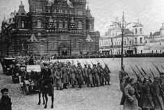 Bolshevik forces marching on Red Square, 8 March – 8 November 1917.  Russian Revolution - Wikiwand