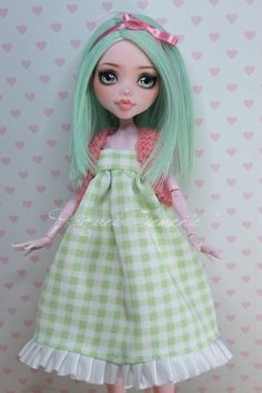 This listing is for a custom/repainted Draculaura doll. I have called her Menta.    This is the work I have done in her (her outfit can take off