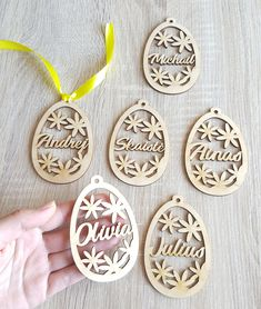 Personalized eggs, cute Easter gift tag, wooden eg Easter Crafts For Kids, Easter Gift, Easter Party, Easter Treats, Happy Easter, Bunny Crafts, Easter Tree Decorations, Easter Centerpiece, Easter Decor