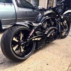 #dazzlingbike for today...    Insane Harley Davidson Build By @dgdcustom    got your own #dazzlingbike? tag and mention @dazzlingbike dont forget to use #dazzlingbike  tag 3 friends of yours wholl love to drive it   via #boss_bikes  #motor #rodadua #suzuki #honda #kawasaki #yamaha #mesin #love #kawasakiindonesia #yamahaindonesia #hondaindonesia #suzukiindonesia