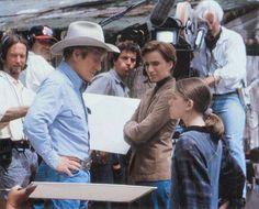 Robert Redford on the set of The Horse Whisperer Robert Redford Movies, The Horse Whisperer, Sundance Kid, Best Director, Matt Damon, Scene Photo, Thriller, Behind The Scenes, Hollywood