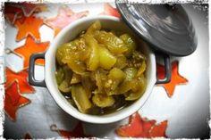 chutney de tomates vertes, en Inde, le chutney est un condiment aigre-doux servi en accompagnent du repas. Ils sont traditionnellement composés de fruits (noix de coco, mangue, citron …), de piment, de sucre, d'épices et de vinaigre …