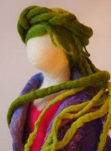 Vrouwen - Wolinhout Diy Tree Topper, Tree Toppers, Just Magic, Handmade Market, Felt Dolls, Felt Art, Felt Crafts, Needle Felting, Sculptures