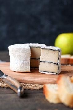 Vegan Ash-Ripened Camembert - Full of Plants Best Vegan Cheese, Vegan Cheese Recipes, Vegan Cheese Sauce, Dairy Free Cheese, Delicious Vegan Recipes, Vegan Foods, Raw Food Recipes, Cooking Recipes, Vegan Milk