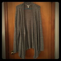 Croft&Barrow Taupe Cardigan Reposh. Has nothing wrong with it, I just like my sweaters to fit looser. It's taupe which is a cross between gray and tan. Perfect color to go with anything! Very versatile too. All buttons are in tact. No tears or damage. Croft & Barrow Sweaters Cardigans