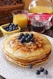 Fluffy as Heck Whole Wheat Low Cal Pancakes For One Recipe Pancakes For One, Pancakes From Scratch, How To Make Pancakes, Pancakes Easy, Cooking For One, Meals For One, Low Calorie Pancakes, Kitchen Dishes, Recipe Details