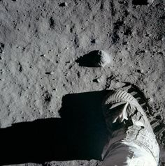 On July NASA astronaut Neil Armstrong and Buzz Aldrin set foot on the moon for the first time, bounding across the lunar surface. Mission Apollo 11, Apollo 11 Moon Landing, Apollo Missions, Neil Armstrong, Programa Apollo, Apollo Space Program, Buzz Aldrin, Space Race, Man On The Moon