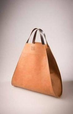 cute bag - Susanne Hermerschmidt - Frauen Taschen Discover women's handbags and bags with ASOS. Leather Purses, Leather Handbags, Leather Purse Diy, Leather Bag Tutorial, Diy Bags No Sew, Sacs Design, Sweet Bags, Diy Handbag, Designer Shoulder Bags