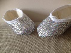 Gorgeous ballet flats, perfect for flower girls. Made with 5mm & 4mm gems. These can be done in any size :)