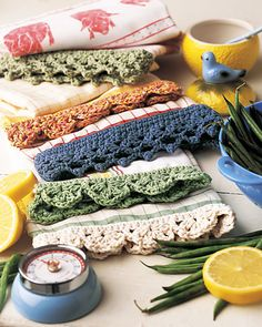 Crochet trim tea towel..this is on my list of things to do : ) It's a long list....