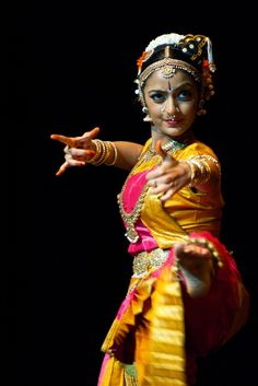 dakshina/daniel phoenix singn style dance Bharata Natyam
