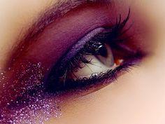 Eyes / beautiful, eye, fashion, glitter, make up Glitter Make Up, Glam And Glitter, Purple Sparkle, Glitter Eye Makeup, Purple Haze, Pink Purple, Pink Glitter, Sparkly Makeup, Glitter Toms