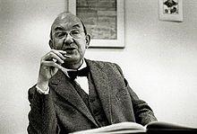 Jan Tschichold após a Segunda Guerra Mundial, trabalhou para a editora Penguin Books, na Inglaterra, fugindo do regime nazista. O redesign dos livros de bolso da Penguin, realizado por Tschichold, é um marco da história do design editorial inglês.